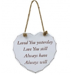From the popular Heart Sentiment plaque range by Leonardo