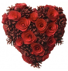 Hanging heart wreath in an eye catching red colour