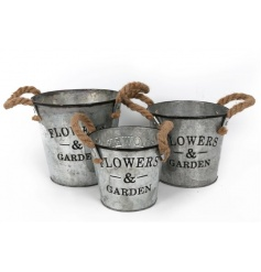 Rustic style planters in a set of 3 with rope handles