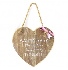 Chic wooden heart sign with traditional Christmas quote