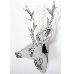 Wall hanging deer head in silver or decorative use