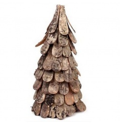 Woodland style Christmas tree decoration with a rustic and natural feel
