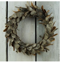 Woodland style wreath decoration with a rustic and trendy design