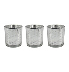 Silver coloured candle holders with Mirror finish and chic design