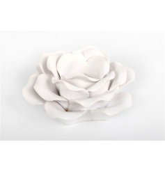 Decorative rose tlight holder in a classic white colour