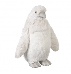 A beautiful and super soft to touch penguin ornament. A must have this season!