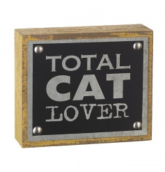 The ideal gift for total cat lovers! A chunky block sign with stud details and a distressed finish.