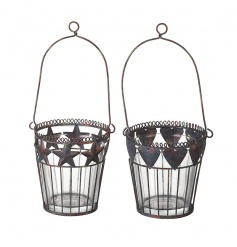 Small delicate baskets with metal hearts and stars