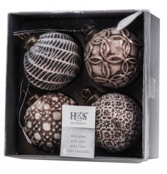 A pack of 4 beautiful and unique textured baubles in rich gold and bronze hues.