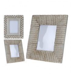 A mix of 2 chic antique silver photo frames with a plait and textured pattern.