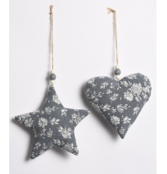 A mix of 2 ditsy floral hanging heart and star decorations with rustic jute hanger.