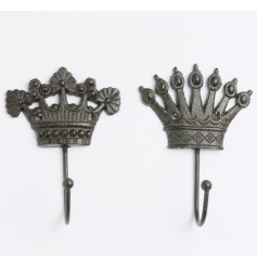A mix of 2 stylish crown hooks with a rustic finish. A gorgeous decorative item for the home.