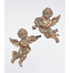 An assortment of 2 antique style cherub decorations with a gold aged finish. For wall decoration.