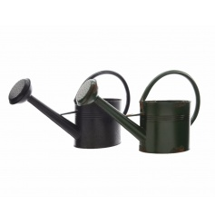 Rustic style watering cans in earth colours. Ideal for practical use and for planting.