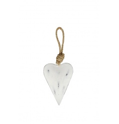 A shabby chic metal heart decoration with a chunky rope hanger. Ideal for hanging from handles, dressers and more!