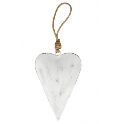 A shabby chic style metal heart hanger with a chunky rope handle. Perfect for hanging from trees, dressers and handles.