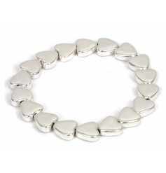 A pretty silver heart bracelet. A great gift for many occasions.