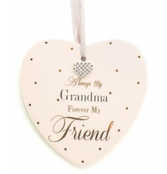 This smooth coated ceramic hanging heart is the perfect gift to give to that perfect Grandma.