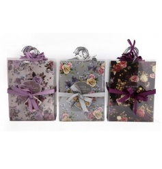 An assortment of 3 scented sachets with hangers. Ideal for hanging in your wardrobe or around the home.