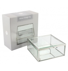 A classic square trinket box. Ideal for storing jewellery, trinkets and more.